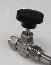 Кран игольчатый нержавейка, под трубку 8 мм